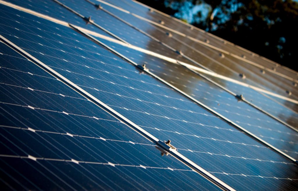 this energy shows a solar panel, for the benefits of solar energy